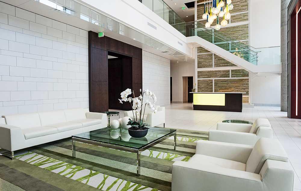 Ovation 309 front lobby