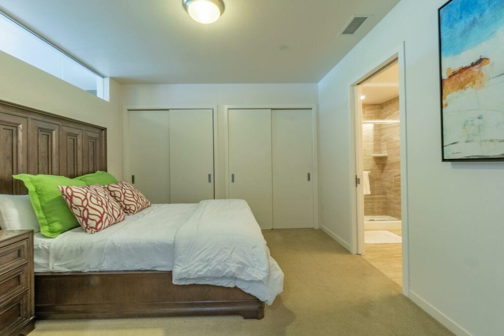bedroom-and-bathroom-entrance