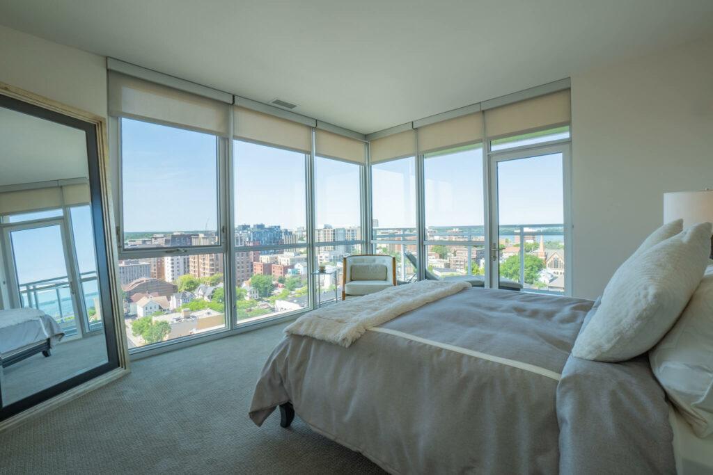 bedroom-city-views-large