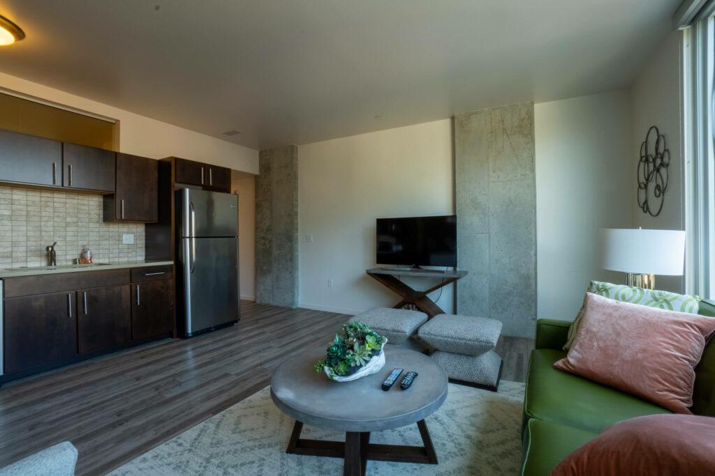 guest-suite-living-room-2