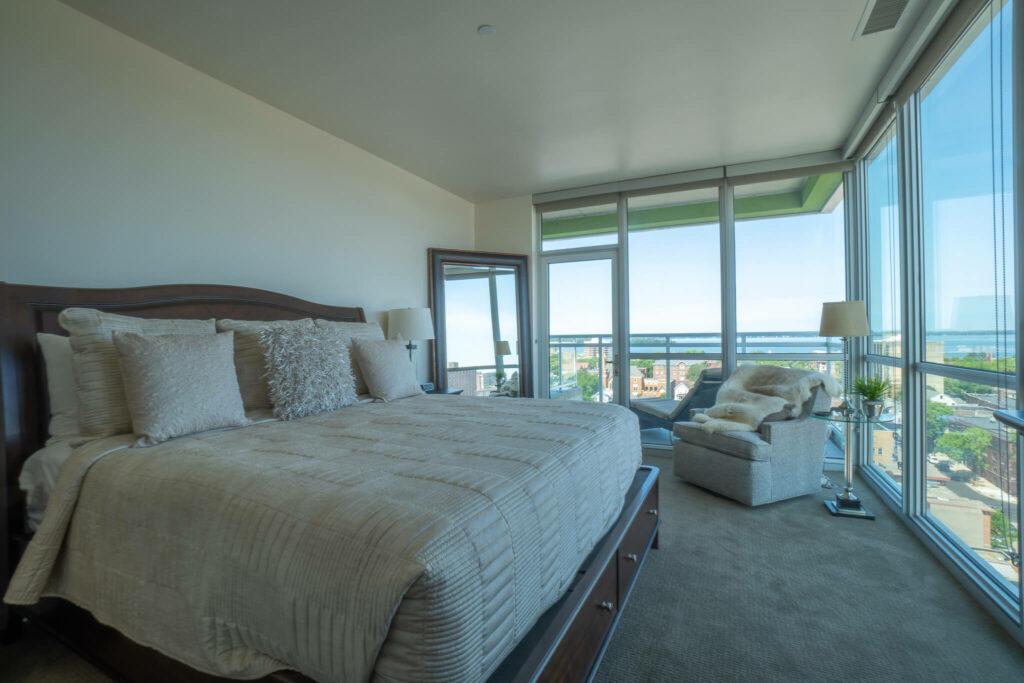 large-bedroom-lake-view