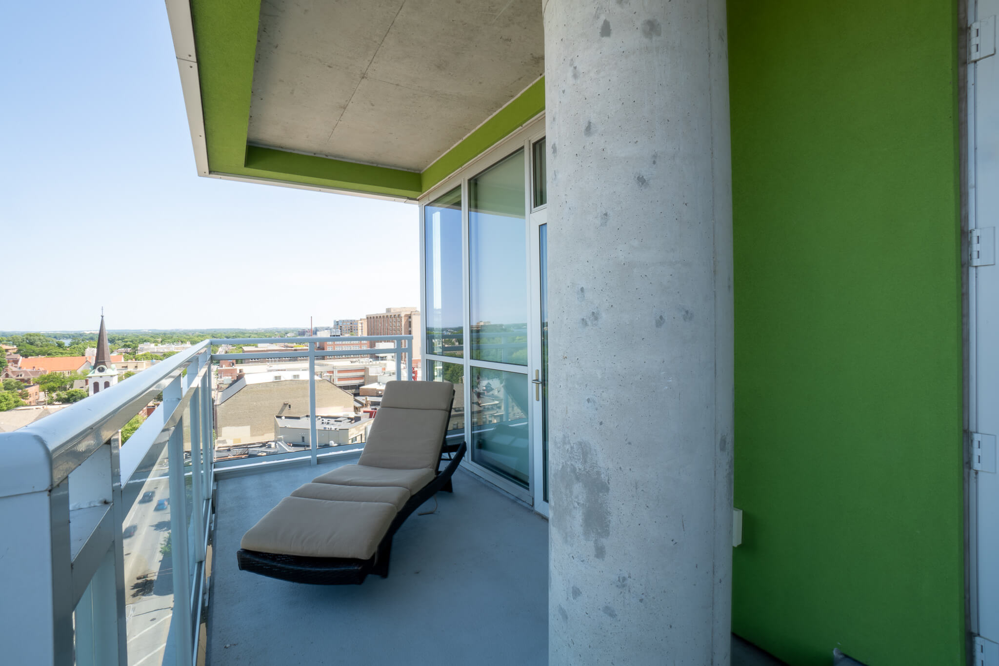 lounge-chair-on-private-balcony