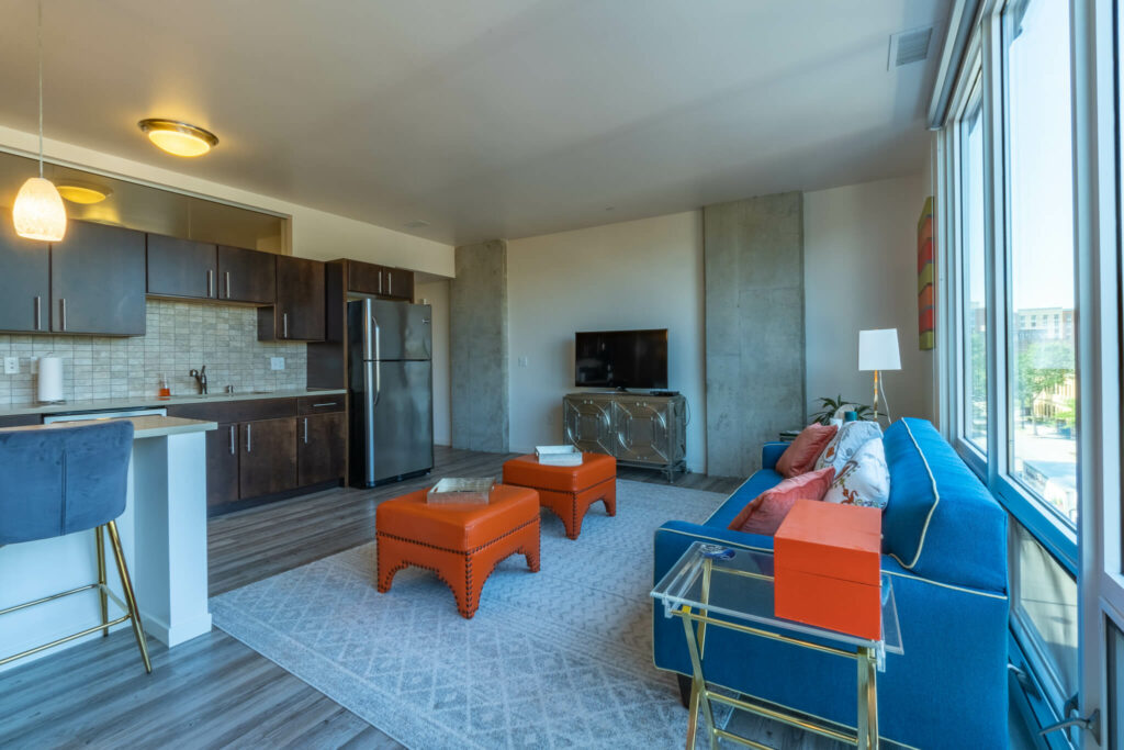 madison-1-br-living-room