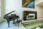 piano-in-lobby